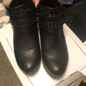 Booties in great condition size 9 black